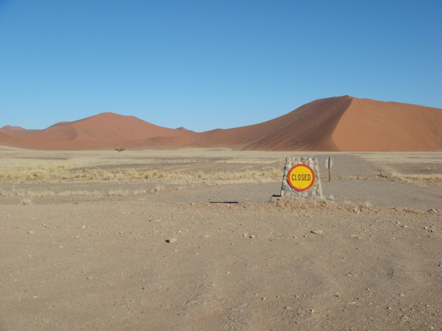 Rachel Sussman: Closed. Sossusvlei, Namibia