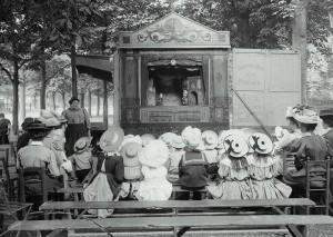 Bábelőadás Párizsban, 1910