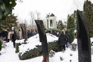 Szatmárcseke, 2016. január 17. Résztvevők Kölcsey Ferenc sírjánál a magyar kultúra napja alkalmából szervezett ünnepségen a szatmárcsekei kopjafás temetőben 2016. január 17-én. MTI Fotó: Balázs Attila