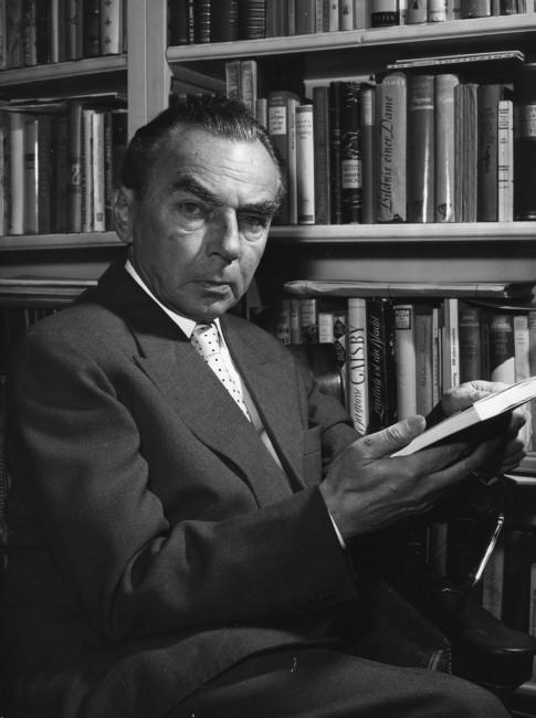 1899. február 23-án született ERICH KäSTNER német költő, író, forgatókönyvíró
