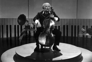 Alfonzó előadás közben (1964)