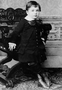 Albert Einstein három évesen (1882)