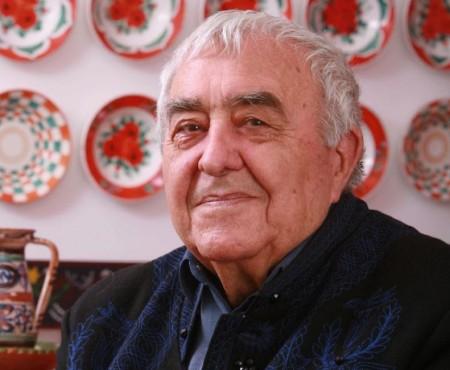 1926. március 26-án született KALLÓS ZOLTÁN a Nemzet Művésze címmel kitüntetett, Kossuth-díjas erdélyi magyar néprajzkutató, népzenegyűjtő