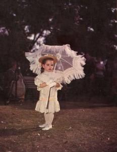 Liza Minnelli az In the Good Old Summertime című musical utolsó jelenetében (1949)