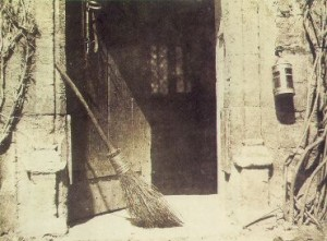 William Fox Talbot: Nyitott ajtó (1844)