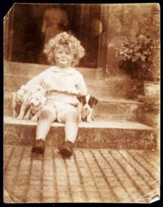 Arthur C. Clarke 2 évesen (1919)