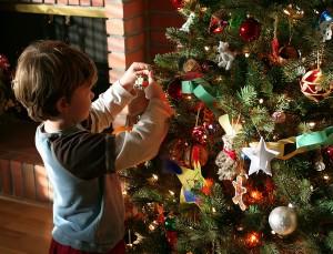 A feldíszített karácsonyfa a karácsony ünnepének egyik szimbóluma. Karácsonyfa-állításra valószínűleg először a 16. században, a Német-római Birodalomban került sor.
