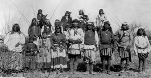 Geronimo (csirikava nyelven Goyaałé, vagyis 'one who yawns' (Ásító);), (1829. június 16. – 1909. február 17.) az Amerikai Egyesült Államokban élő csirikava apacsok vezetője törzsével 1886. március 27-én