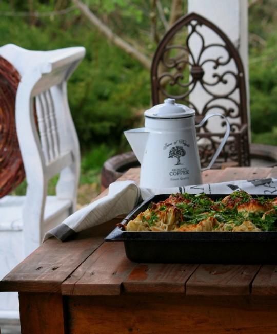 Juhász Judit: Ebéd a kertben