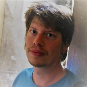 Véghelyi Balázs költő, író, szerkesztő, zenész
