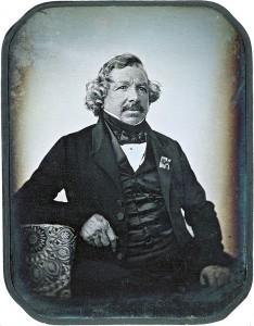Louis-Jacques-Mandé Daguerre (Cormeilles, 1787. november 18. – Bry-sur-Marne, 1851. július 10.) francia vegyész, tájkép- és dekorációfestő, a fényképezés történetének egyik úttörője.