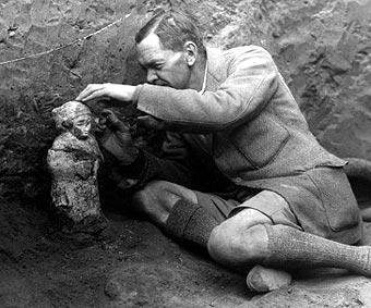 1880. április 17-én született Sir Charles Leonard Woolley angol régész, Ur városának feltárója