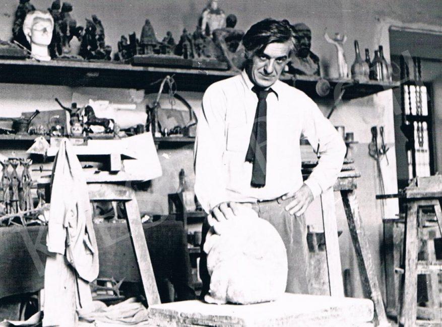 1909. szeptember 27-én született AMERIGO TOT (eredetileg Tóth Imre) szobrászművész