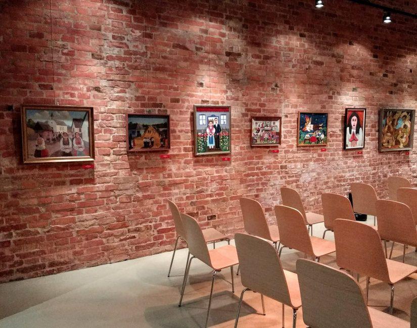 Bowditch Éva: Képek és székek