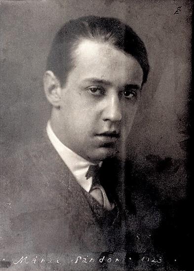 1900. április 11-én született MÁRAI SÁNDOR (eredeti nevén: márai Grosschmid Sándor Károly Henrik) író, költő, újságíró