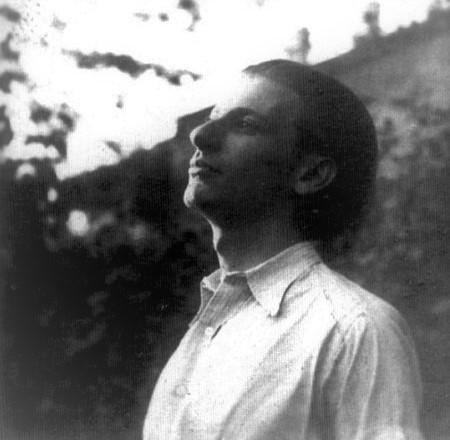 1909. május 5-én – 110 éve! – született RADNÓTI MIKLÓS (született: Glatter; egyéb névváltozatai: Radnói, Radnóczi) költő, műfordító