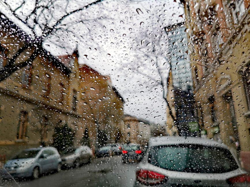 Neubrandt István: Esős Tímár utca