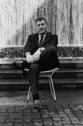 1913. február 27-én született IRWIN SHAW amerikai regény-, dráma- és novellaíró