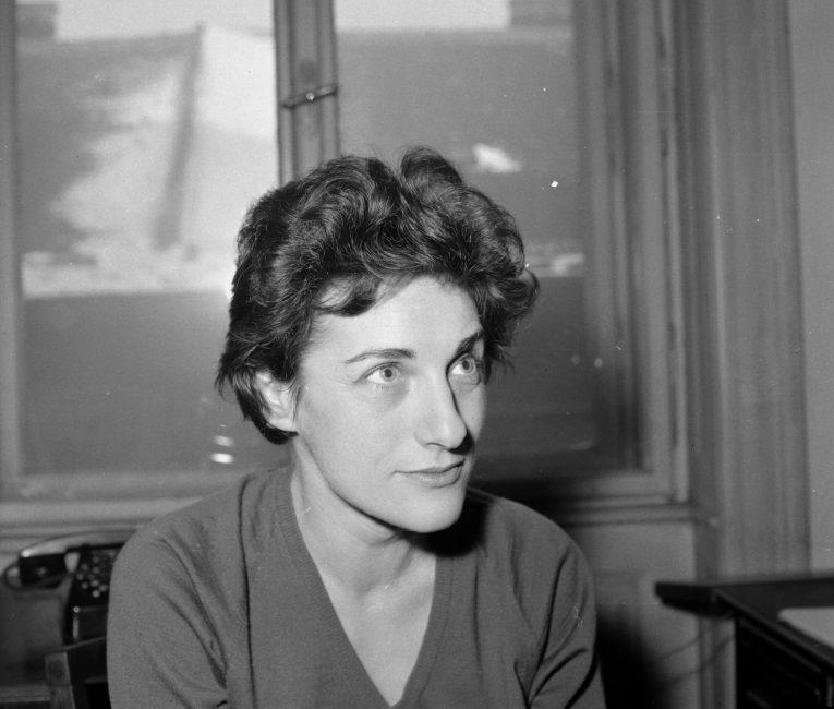 Ma lenne 95 éves. 1926. április 23-án született JANIKOVSZKY ÉVA író, költő, szerkesztő